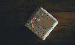 Gifts - annie-spratt-rx1iJ59jRyU-unsplash